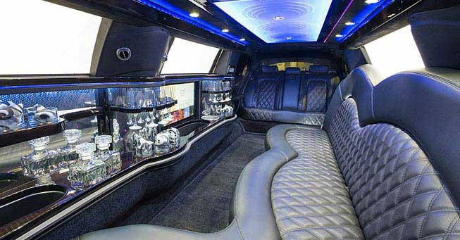 Sacramento Lincoln Stretch Limo Interior